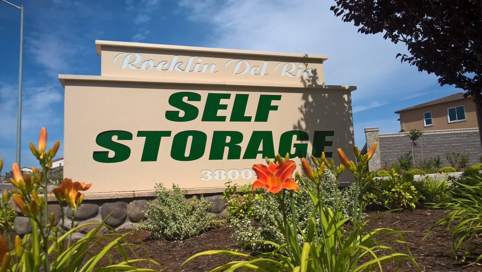 Rocklin Del Rio Self Storage Inc. Sign